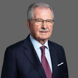Dott. Edoardo Caravati